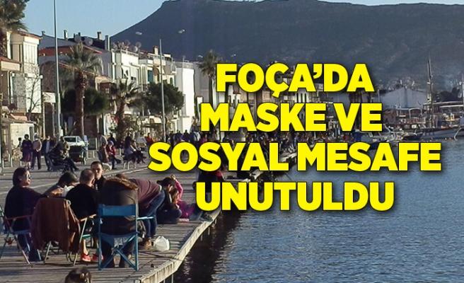 Foça'da maske ve sosyal mesafe unutuldu, sahiller doldu
