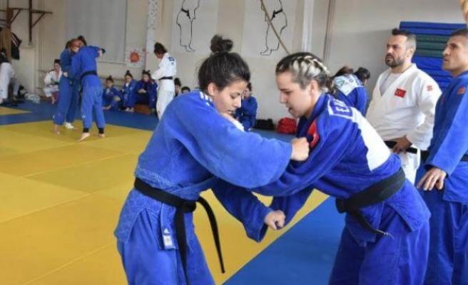 Kadın Judo Milli Takımı, Edirne'de olimpiyatlara hazırlanıyor