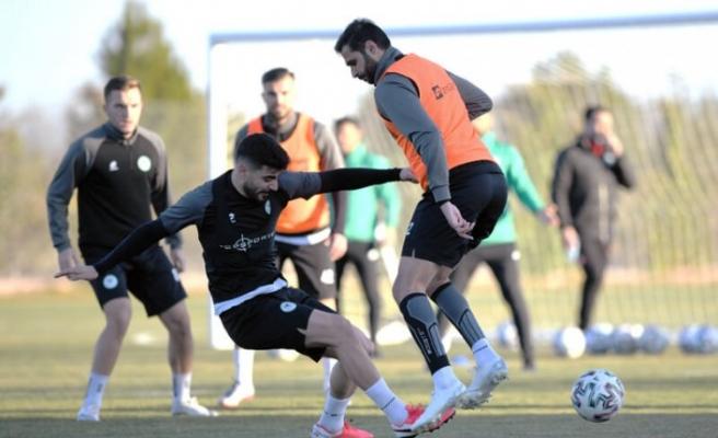 Konyaspor kupa ve lig maçı hazırlıklarını sürdürdü