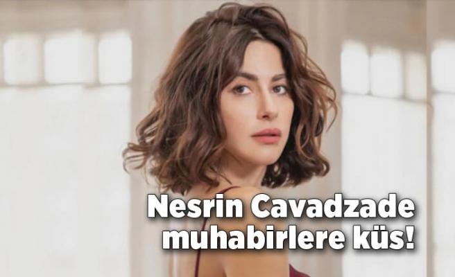 Nesrin Cavadzade muhabirlere küs!