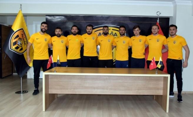 Aliağaspor FK'dan 9 transfer