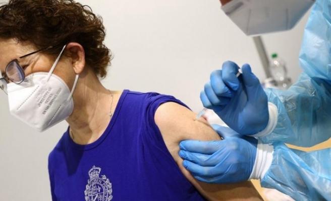 """AstraZeneca'nın Covid-19 aşısı ile ilgili """"domuz"""" açıklaması"""