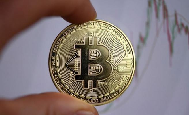 Bitcoin'in piyasa hacmi 1.0 trilyon doların altında