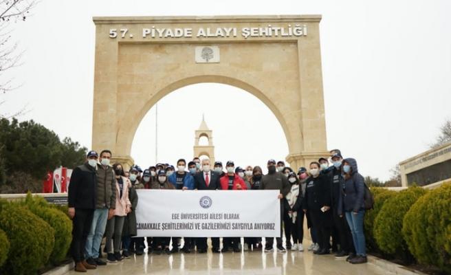 EÜ öğrencileri Çanakkale'de şehitleri andı