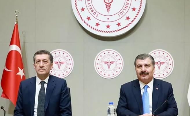 Fahrettin Koca ile tartışmıştı! Bakan Selçuk istifa mı edecek?