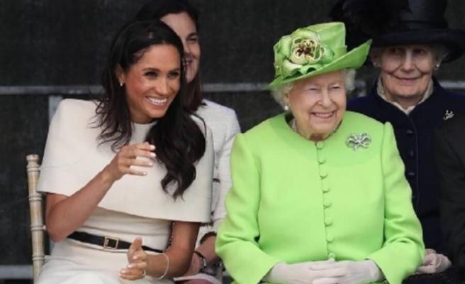 Kraliçe Elizabeth'ten 'zeytin dalı'