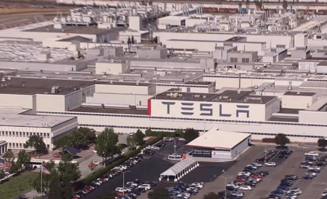 Tesla fabrikasında yüzlerce kişi Kovid-19'a yakalandı