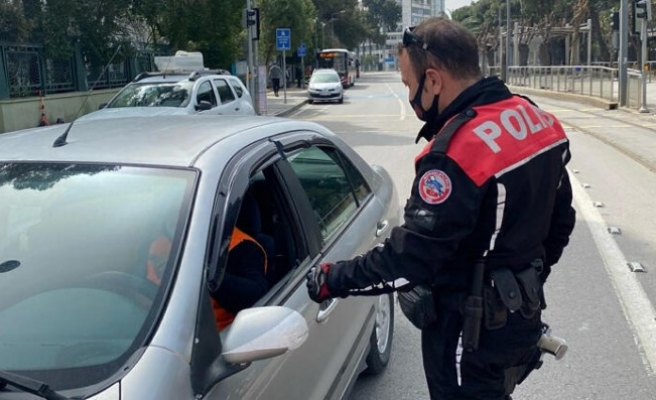 Vaka sayılarının arttığı İzmir'de koronavirüs denetimleri sıklaştırıldı