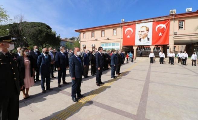 23 Nisan coşkusu Bergama'da törenle kutlandı