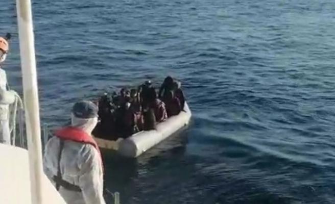 Çeşme ve Dikili'de 94 kaçak göçmen yakalandı