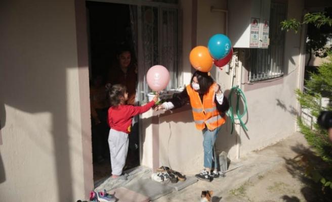 Çiğli Belediyesi'nden çocuklara 23 Nisan sürprizi