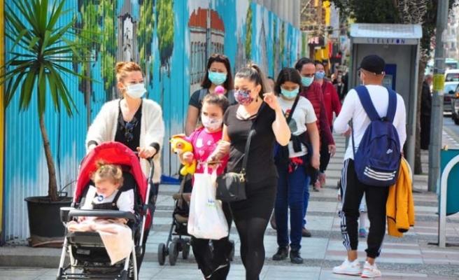 Manisa'da, caddeler doldu taştı