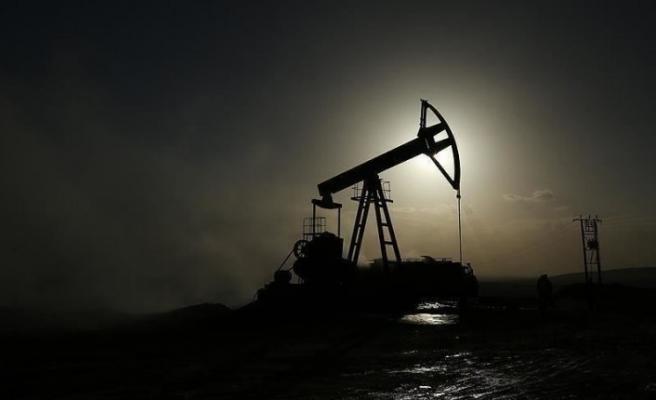 Petrolde düşüş yüzde 5.0'i buldu
