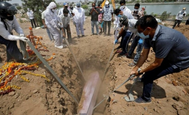4 ayda ikiye katlandı: Hindistan'da vaka sayısı 20 milyonu aştı
