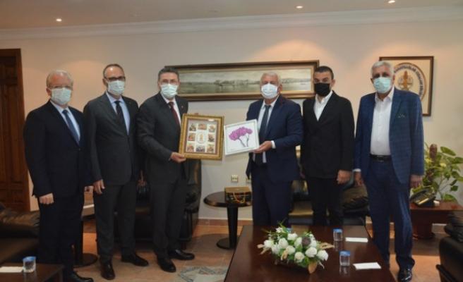 ESİAD'tan Mutlu'ya nezaket ziyareti