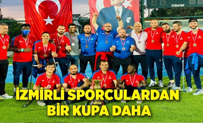 İzmirli sporculardan bir kupa daha