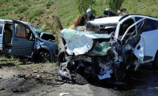 Katliam gibi kaza: 9 ölü!