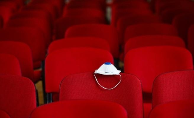 Sinema salonlarının açılışı temmuza ertelendi