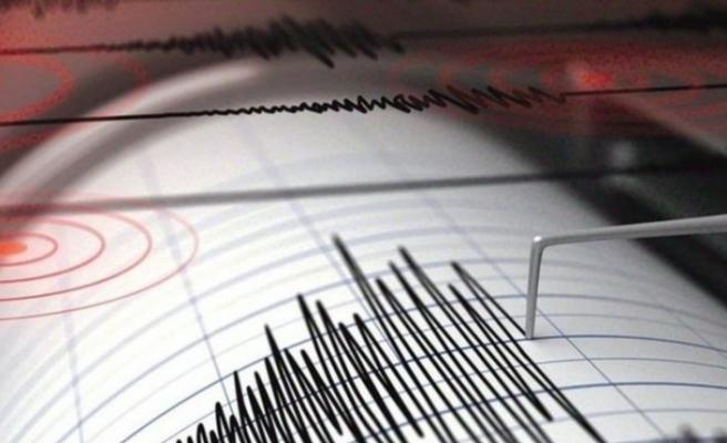 Ege'nin iki yakasında art arda depremler!