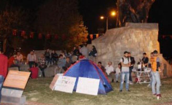 Antalya'da 'Barış Nöbeti'