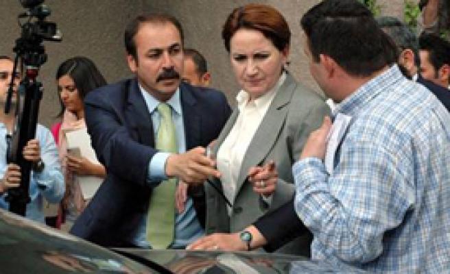 İfade Öncesi Akşener'in Aracı Kurşunlandı