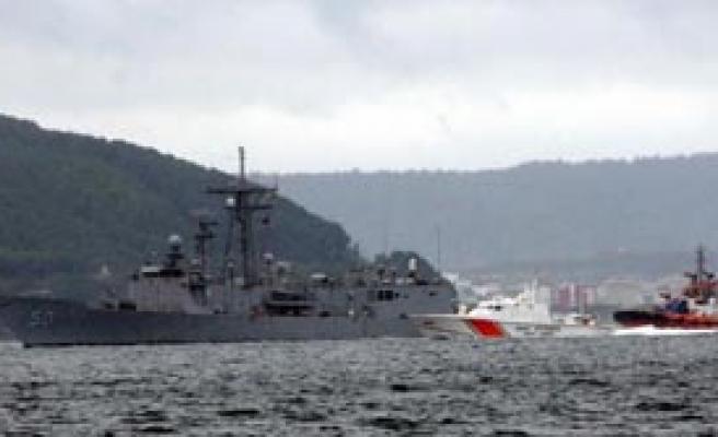 USS TAYLOR Boğaz'dan Geçti