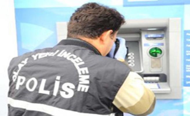 ATM'de Kart Kopyalama Tuzağı