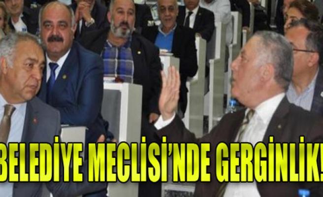 İzmir Büyükşehir Belediye Meclisi'nde Gerginlik