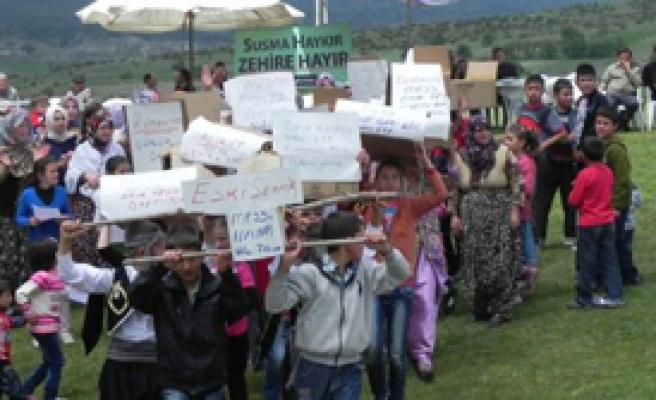 Kefenli Protesto
