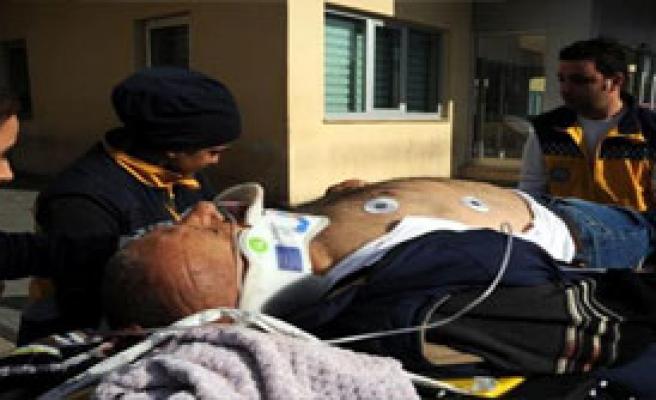 Ağabeyini Öldürdü, Arkadaşını Yaraladı