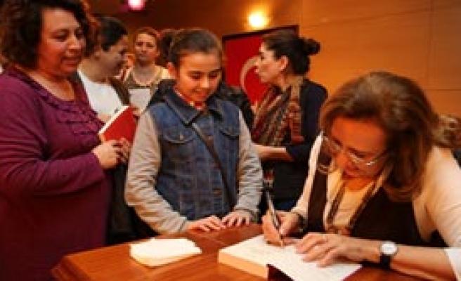 Buca'da Kitap Kulübü Başladı