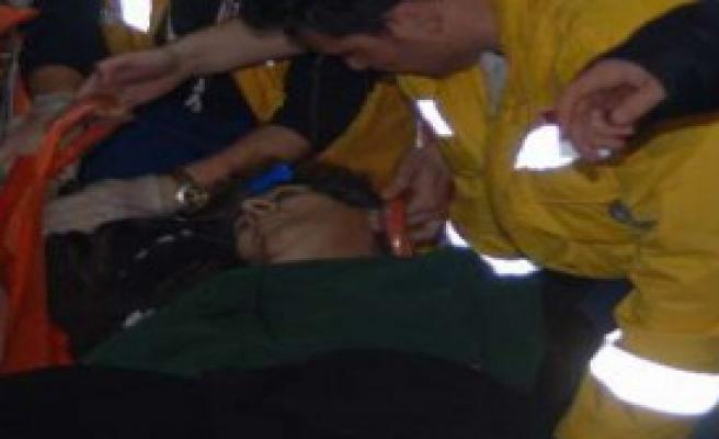AVM'de Kadına Bıçaklı Şiddet!