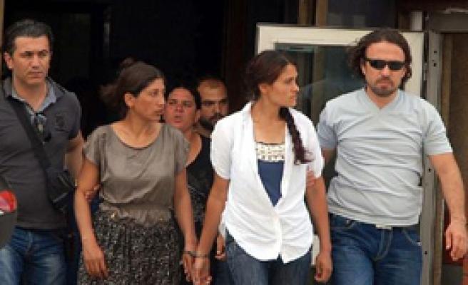 İzmir'de 7 Kadın Hırsız Yakalandı
