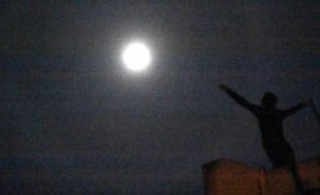 Ay Çevresindeki Hale Muğlalıları Büyüledi