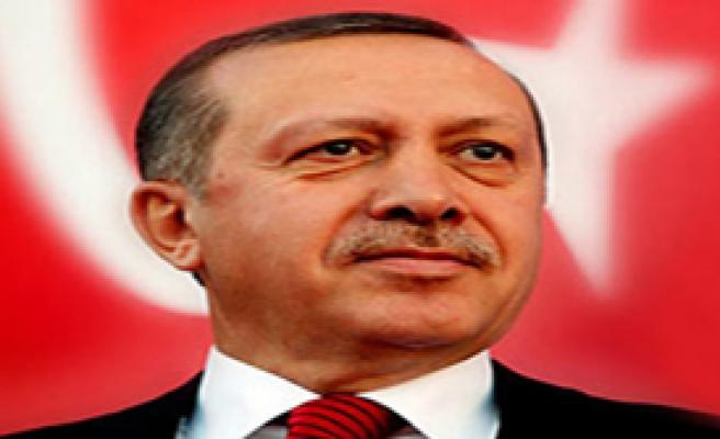 Başbakan Erdoğan'a 10 Yılın Devlet Adamı Ödülü verildi.