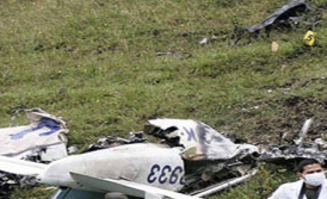 Uçak Düştü 6 Ölü