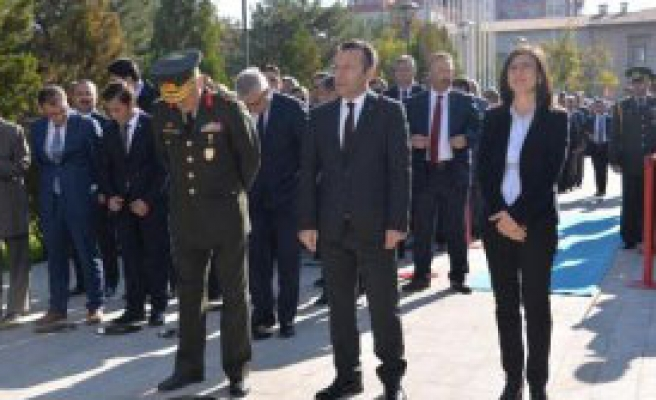Atatürk, Diyarbakır'da da Anıldı