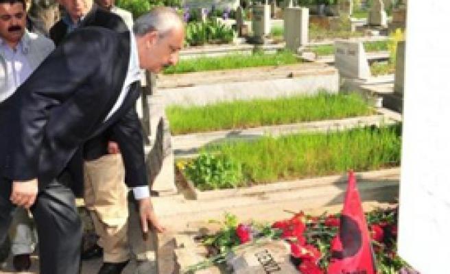 Kılıçdaroğlu'ndan 3 Karanfil