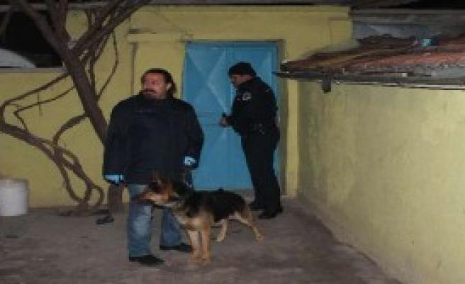 Otomobil Hırsızlarına Baskın: 22 Gözaltı