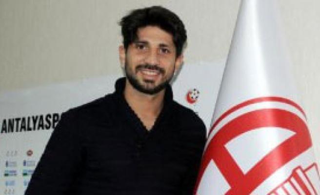 Can Arat, Antalyaspor'a İmza Attı