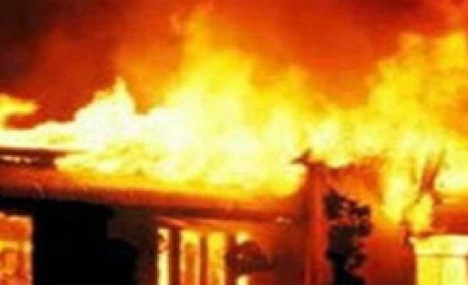 Ataşehir'deki Kazada Baba ve Kızı yanarak Hayatını Kaybetti