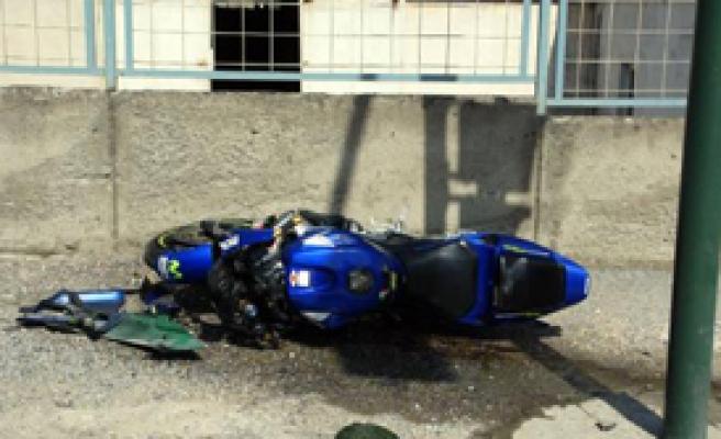 Genç Çifti Kaza Ayırdı