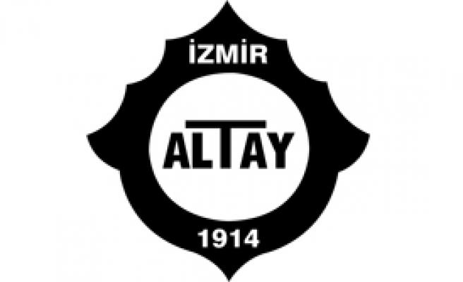 Altay'da 3 Yolcu
