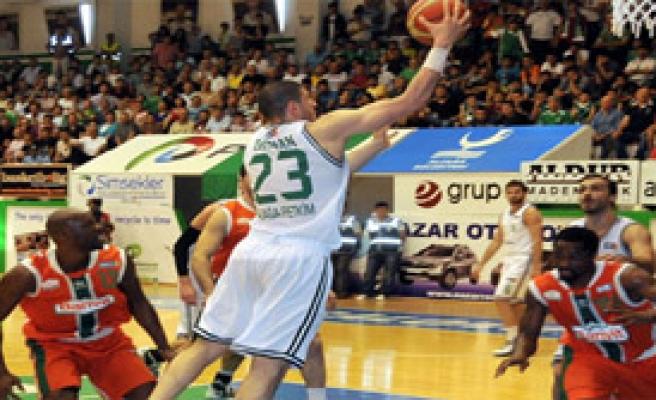 Banvit Yarı Finalde