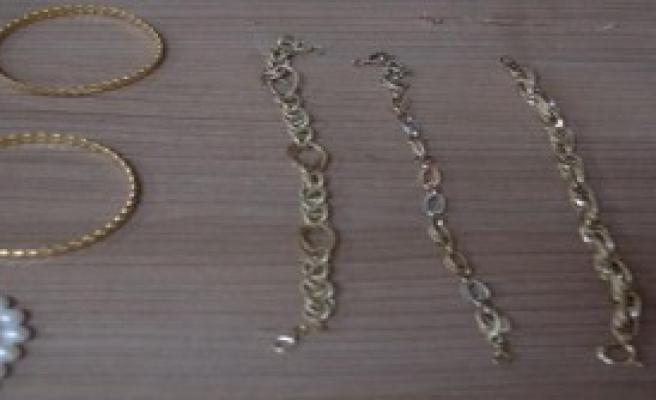 400 Bin Lira Çalan Temizlikçi Kadın Yakalandı