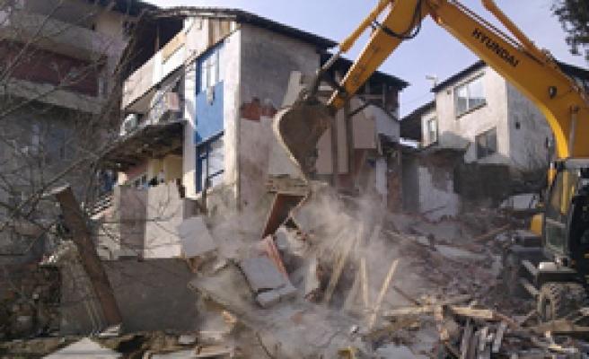 Manisa'da Kaçak Yapı Operasyonu
