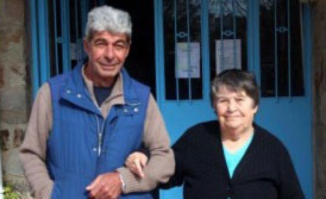 İki Ünlü İsim Bozcaada'da Sandığa Gitti