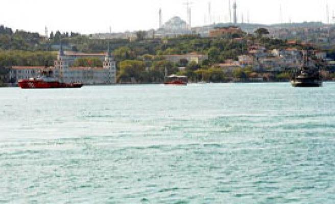 İstanbul Boğazı Geçişe Kapatıldı!