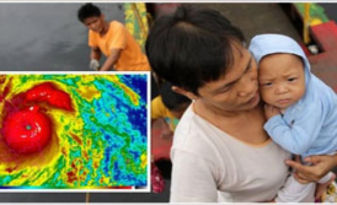Filipinler'de Tayfun 2 Ölü