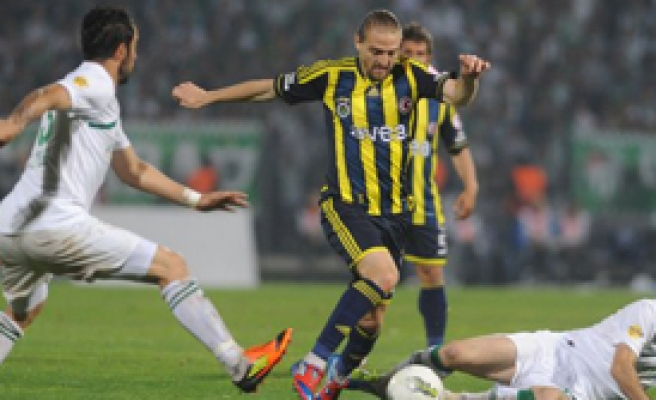 Fenerbahçe ve Bursaspor'a Ceza